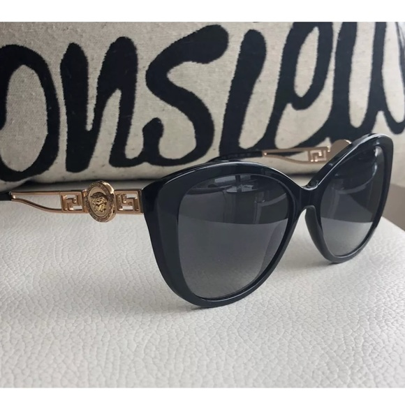a8600f36b28 Versace cat eye sunglasses